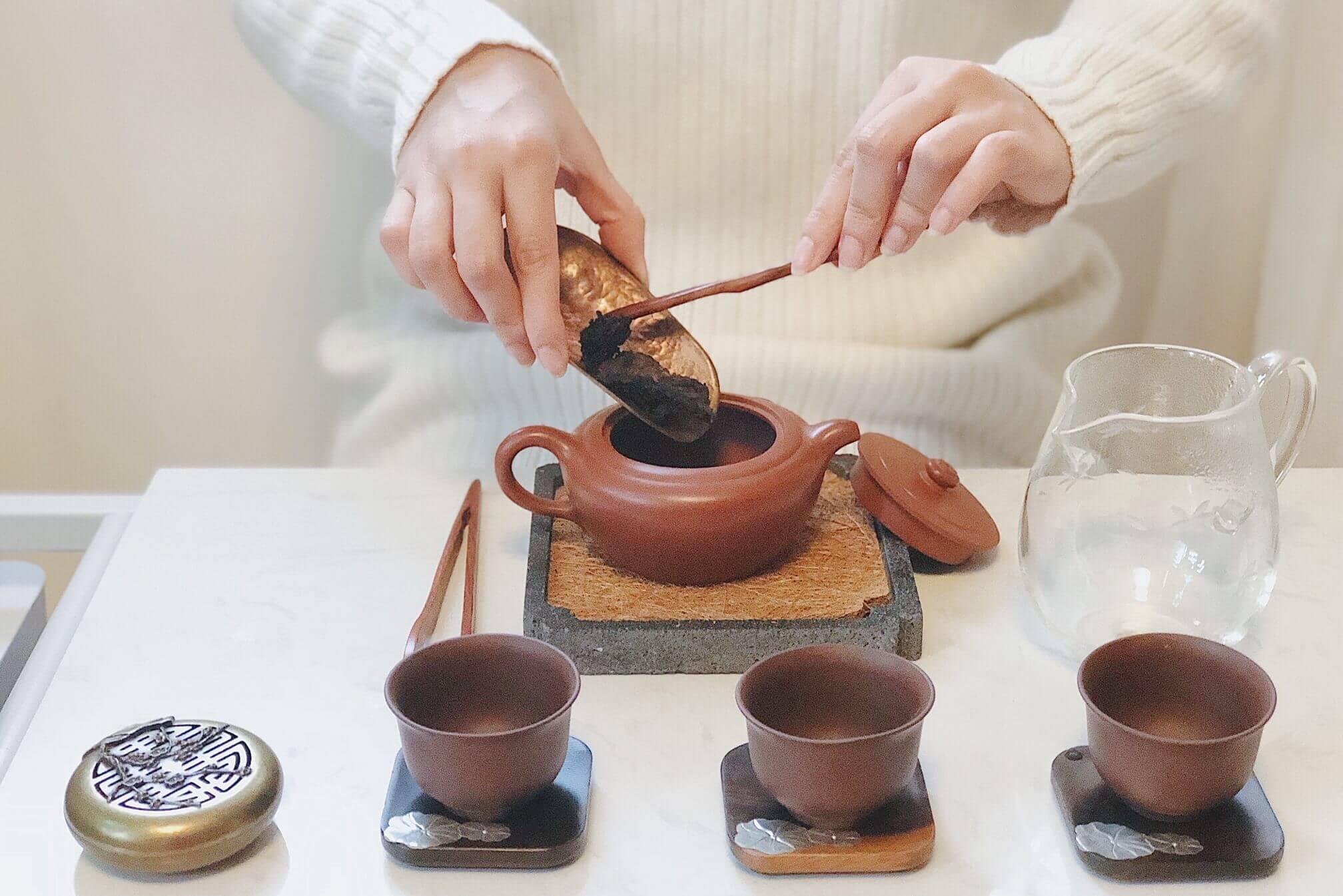 Заваривание чая пуэр