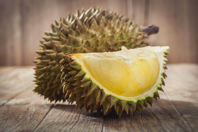 Фото фрукта дуриан - кусочка и целого